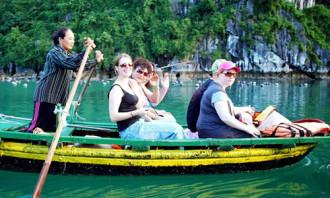 Khách du lịch trong dịp nghỉ Tết đạt hơn 9,7 triệu