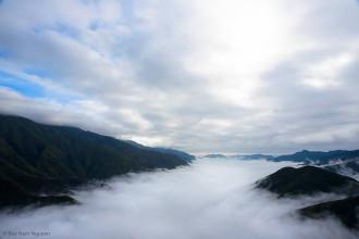 Vẻ đẹp mây Tà Xùa giữa ngày và đêm