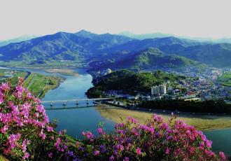 Vẻ đẹp rực rỡ của 'dãy Alps' ở xứ sở kim chi