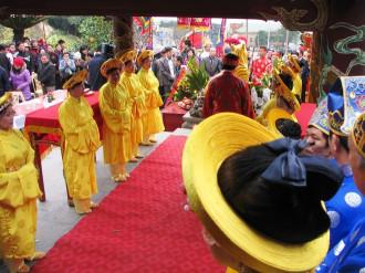 Quảng Ninh tưng bừng lễ hội đền Cửa Ông