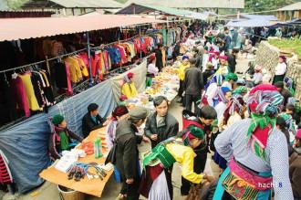 Chợ lùi Sà Phìn mộc mạc, độc đáo ở Hà Giang