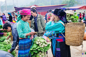 Đi phiên chợ đặc sắc vùng cao Đồng Văn