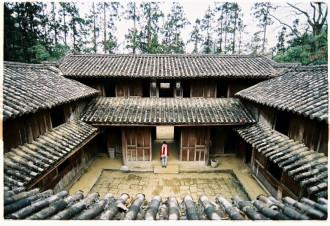 Ghé Hà Giang thăm Dinh thự vua Mèo