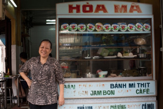 """Những """"cựu"""" cửa hàng bánh mì ở Sài Gòn"""