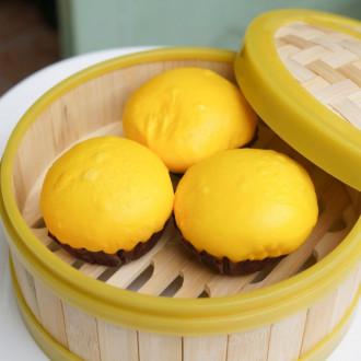 Cảm nhận 'cát vàng' trong bánh bao kim sa của người Hoa