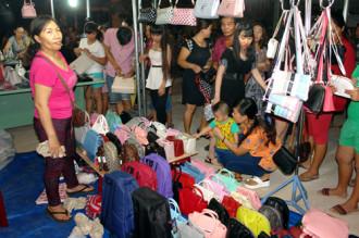 Chợ đêm đầu tiên phục vụ du khách ở Phan Thiết