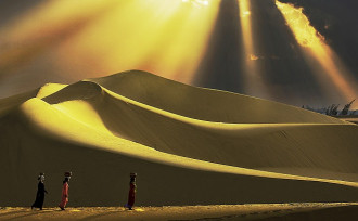 'Dải lụa cát' Nam Cương, hoang sơ nhưng lãng mạn
