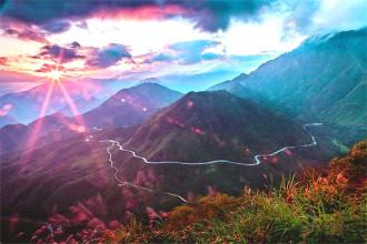 Khám phá dọc con đường đèo Ô Quy Hồ hùng vĩ