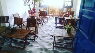 Quán cà phê bãi biển ngay giữa lòng thủ đô