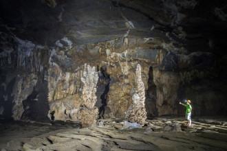 Mở rộng tour khám phá hang Tú Làn đến hang Tiên
