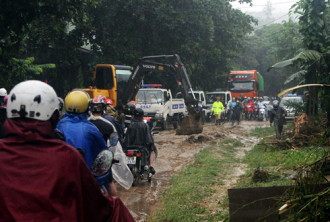 70 khách du lịch được cứu hộ đến Sa Pa an toàn