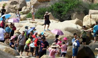 Nha Trang yêu cầu du khách không bôi xấu hình ảnh địa phương