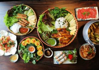 Thực đơn ba miền đa dạng giữa Sài Gòn