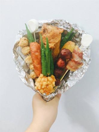 Bó hoa đùi gà cho dịp 20/10 ở Sài Gòn